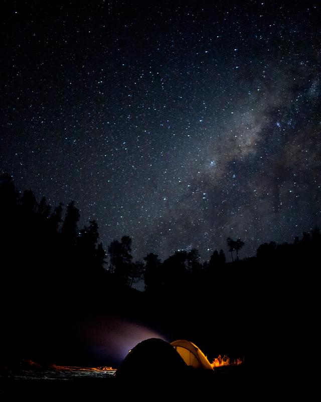 Malam hari saya sampai di Ranukumbolo, karena saya sampai di basecamp ranupane sore hari.