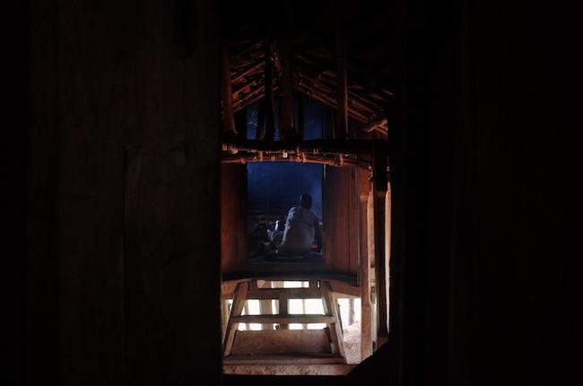 Dapur rumah Mbaru Niang. Dari 7 rumah, satu rumah di khususkan untuk tamu, bisa muat hingga 30an tamu.