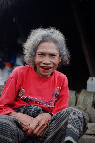 Senyum orang Wae rebo itu senyum paling manis yang saya lihat.