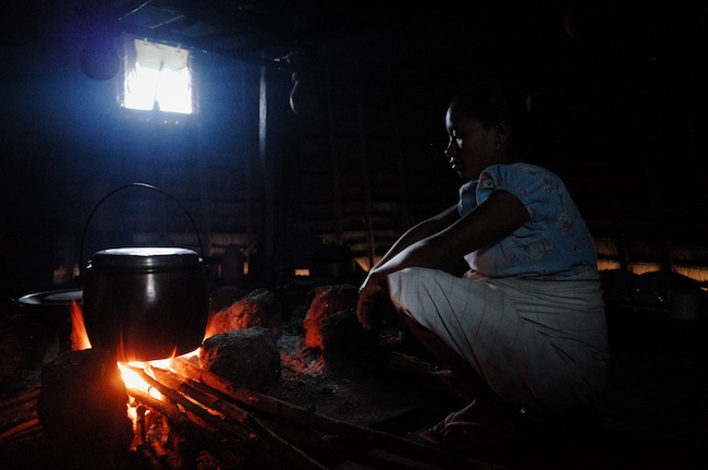 Ibu ini bukan warga wae rebo asli, tetapi karena suaminya orang wae rebo. Ia harus tinggal disini.