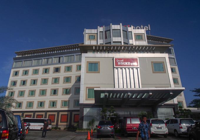 Hotel Rocky bukittinggi tempat saya menginap. Rocky...namanya kok agak gimanaa gitu hehe.