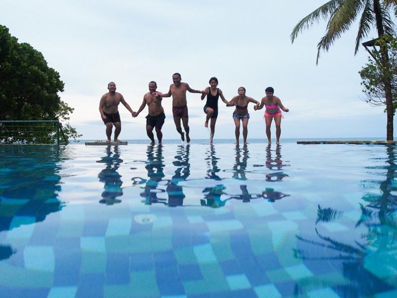 Berenang hore-hore