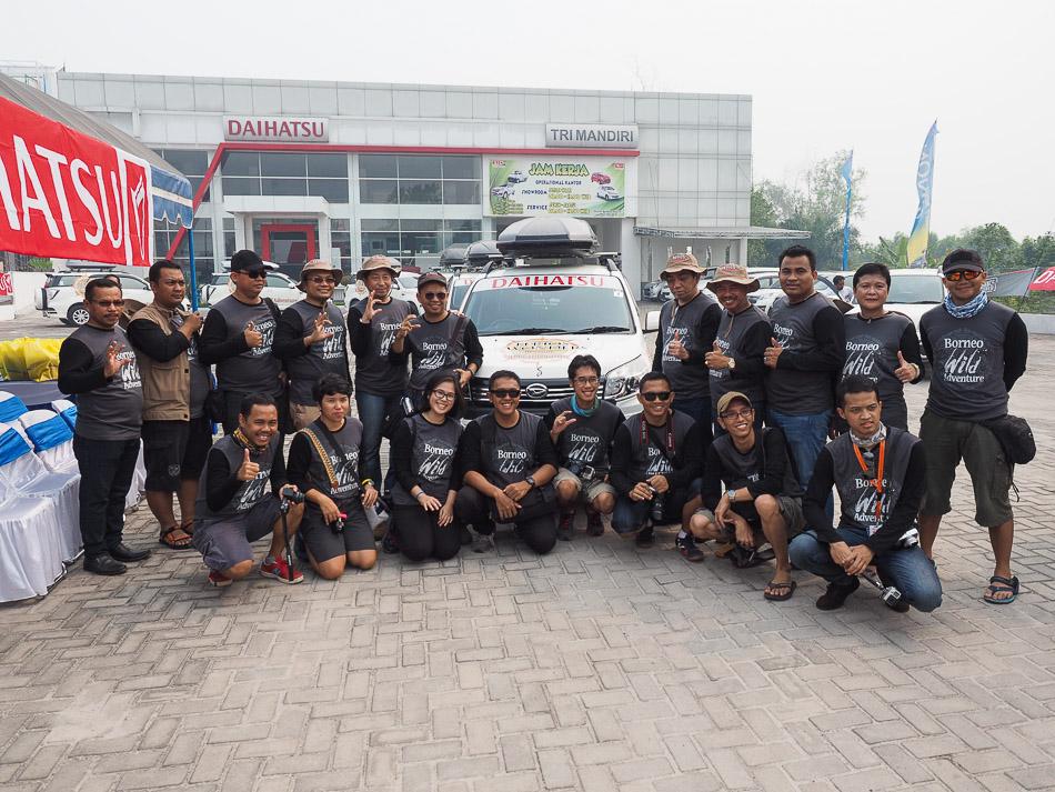 Team Terios 7 wonders siap berangkat dari Palangkaraya.