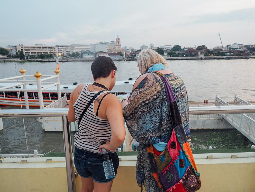 Di pinggir Chao praya river