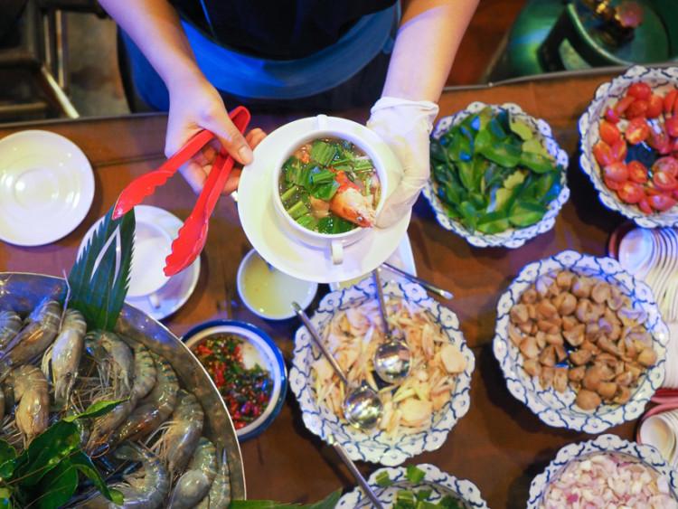 Masakan thailand emang maknyus banget!