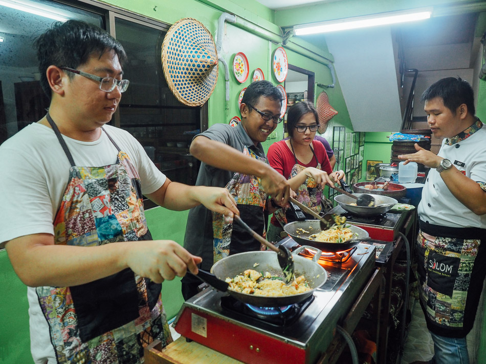 silom bangkok cooking school masakan thailand