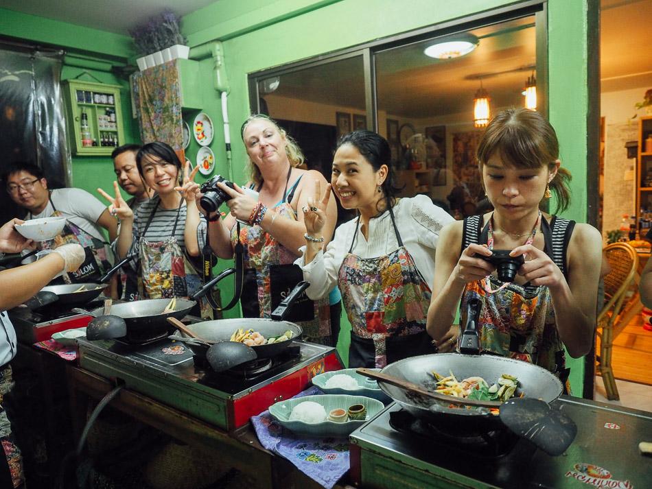 Silom bangkok thai cooking school masakan thailand resep